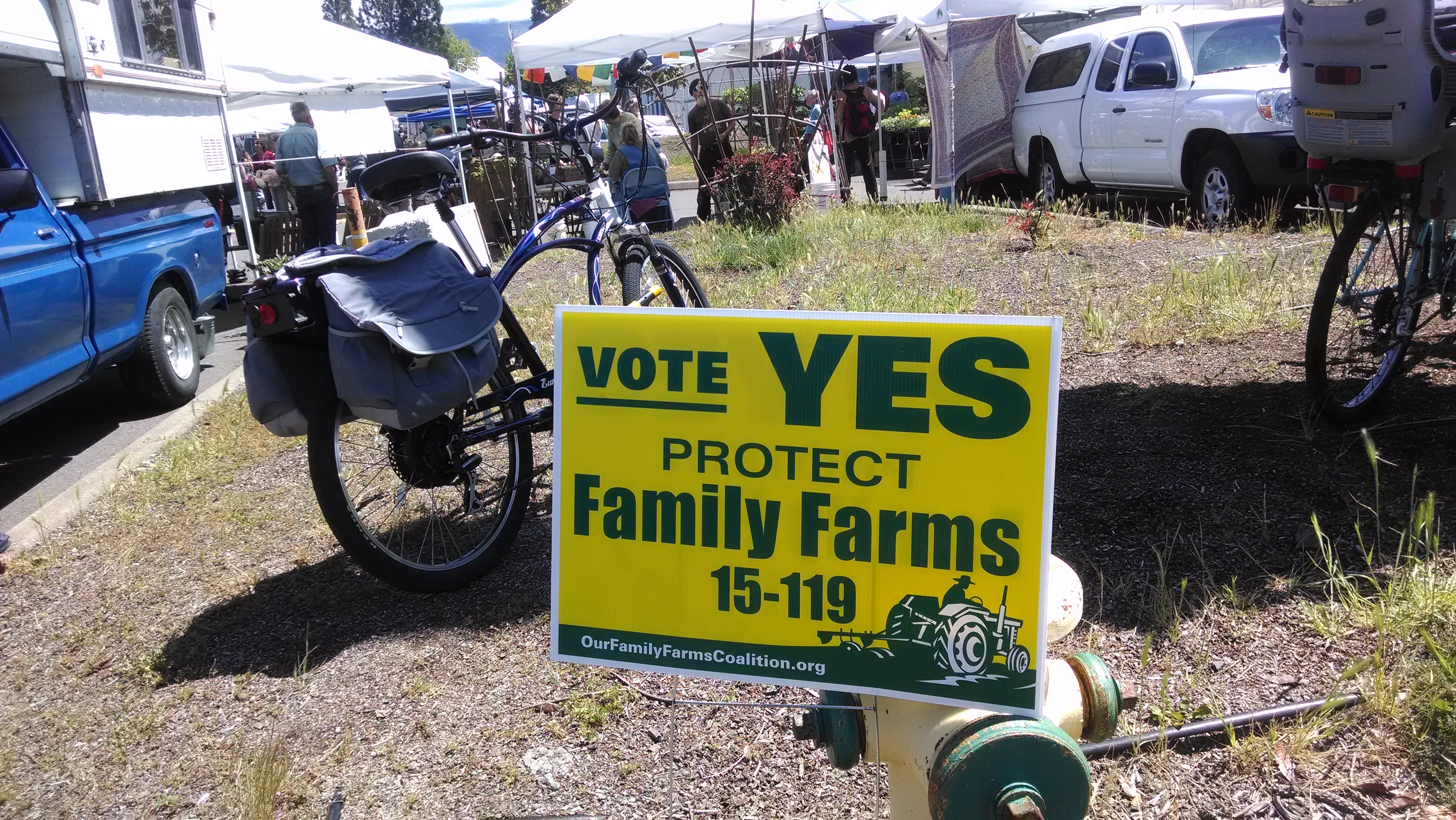 yes_on_15-119_sign_with_bike_medium